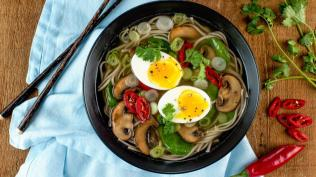 Spinach-and-Mushroom-Soba-Noodle-Soup