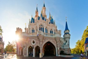 Tokyo-Disneyland-Cinderella-Castle-DIsney